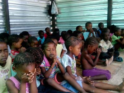 kidsclub met de jonge kinderen
